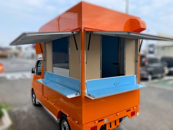 キッチンカー K660 背面