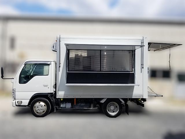 サクセスキッチンカーSK1500横面イメージ